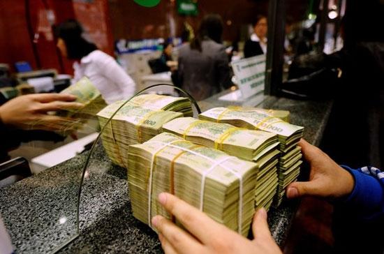Gửi tiết kiệm ở Ngân hàng Chính sách xã hội. (Ảnh minh họa)