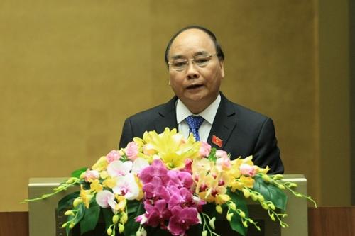 Thủ tướng Nguyễn Xuân Phúc báo cáo tình hình kinh tế-xã hội 2016, nhiệm vụ 2017.