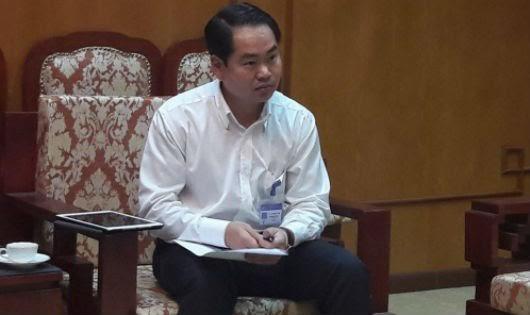 Ông Nguyễn Công Trình – Chánh Văn phòng UBND quận Nam Từ Liêm thông tin với báo chí.