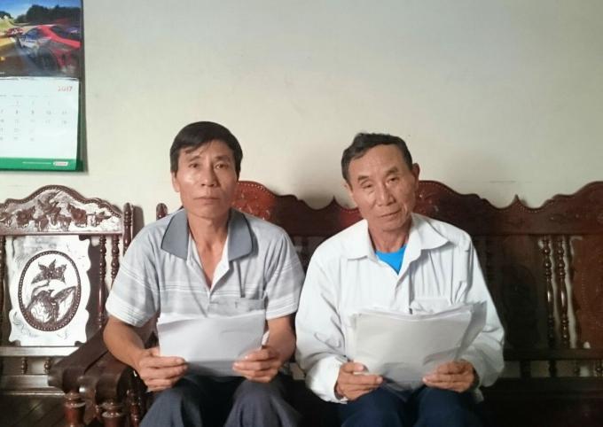 Ông Nguyễn Văn Chiên và ông Nguyễn Văn Phiên trình bày sự việc với phóng viên.