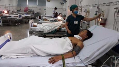 Lê Quang Dũng đang điều trị tại BV đa khoa Ninh Thuận. (Ảnh: báo Pháp luật TP HCM)