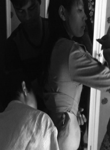 Đinh Văn Ngâu vừa khám bệnh vừa dâm ô một thiếu nữ.