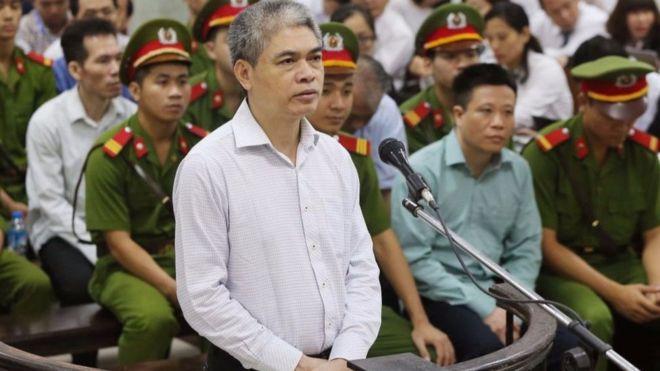 """Bị cáo Nguyễn Xuân Sơnchỉ thừa nhận duy nhất tội """"Cố ý làm trái quy định của Nhà nước về quản lý kinh tế gây hậu quả nghiêm trọng""""."""