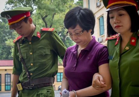 Bị cáo Châu Thị Thu Nga bị đề nghị án chung thân. (Ảnh: Zing.vn)
