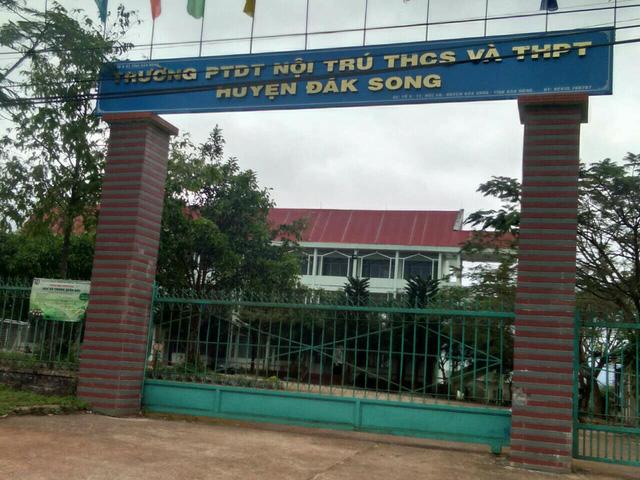 Trường DTNT huyện Đắk Song nơi ông Nam công tác.