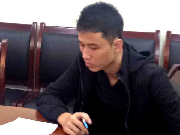 Phạm Thanh Tùng tại cơ quan công an.