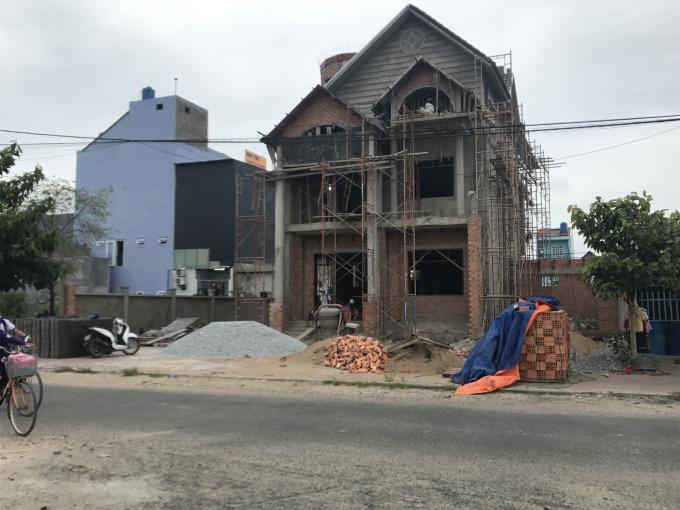 Tại khu dân cư xây dựng trên đất ông Hương mỗi mét vuông có giá 3,5 triệu đồng.