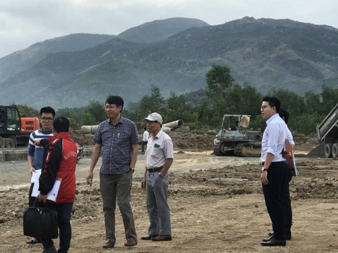 Đoàn thanh tra tiến hành thanh tra đối với dự án.