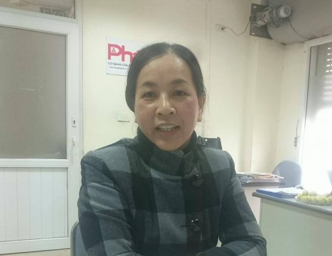 Bà Vũ Thị Hiển trình bày sự việc với phóng viên Báo PLVN.