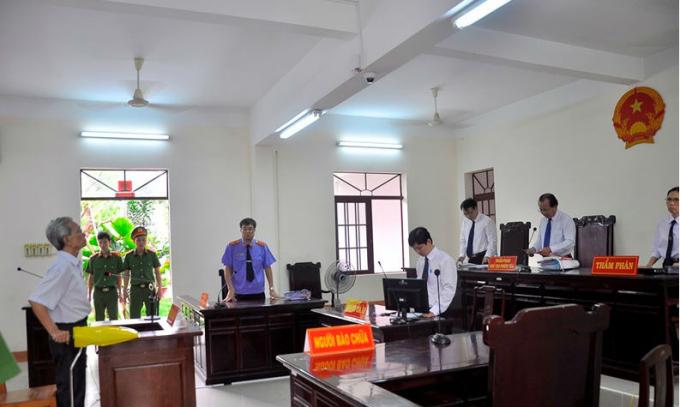 Bị cáo Nguyễn Khắc Thủy tại phiên tòa. (Ảnh: báo Vietnamnet)