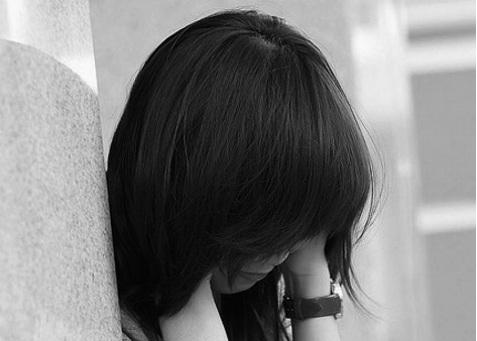 Làm gì khi con cái thất tình là câu hỏi không dễ trả lời. (Hình minh họa)
