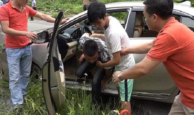 Vũ Viết Tuân thực nghiệm hiện trường vụ giết tài xế taxi. (Ảnh: Công an tỉnh Hải Dương)