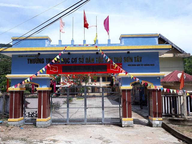 Trường THCS Dân tộc nội trú Sơn Tây.
