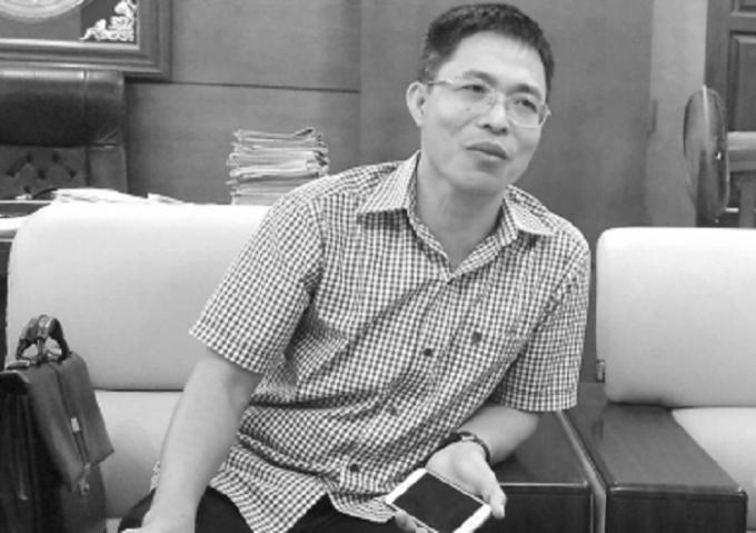 Ông Nguyễn Ngọc Sẫm, Chủ tịch UBND huyện Tứ Kỳ trao đổi sự việc với phóng viên Báo PLVN.
