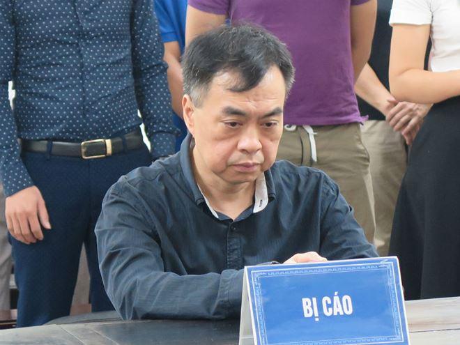 Bị cáo Nguyễn Vũ Hùng tại tòa.