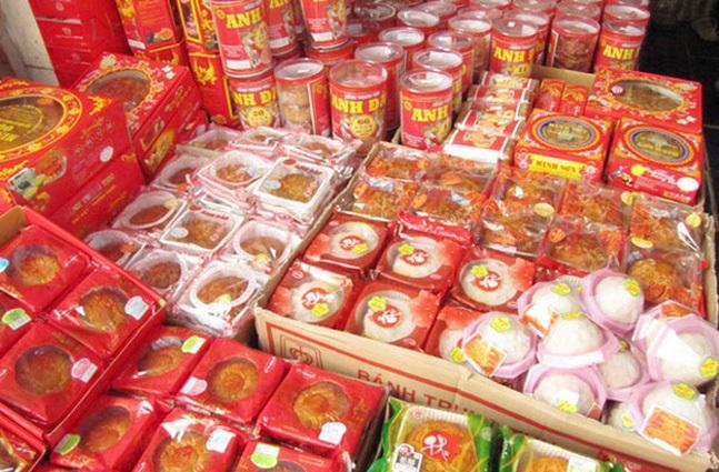 Bánh Trung thu là sản phẩm không thể thiếu trong ngày rằm tháng 8 của người Việt.