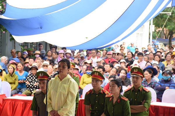 Bị báo Lê Thị Phương Oanh.