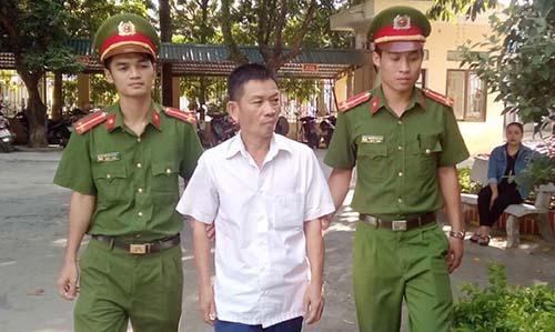Phan Văn Thắng thừa nhận đã đánh cắp số tiền của khách gửi xe.