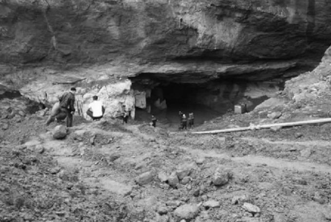 Khu vực xảy ra vụ sập mỏ khiến hai phu vàng mắc kẹt. (Nguồn: Báo Lao Động)