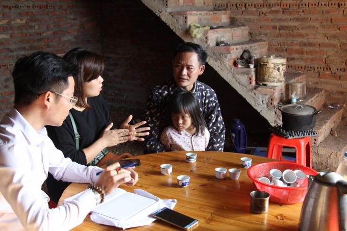 Anh Chìu Quay Héng vui vẻ chia sẻ những phong tục tập quán ăn tết của đồng bào mình với phóng viên báo Pháp Luật Việt Nam.