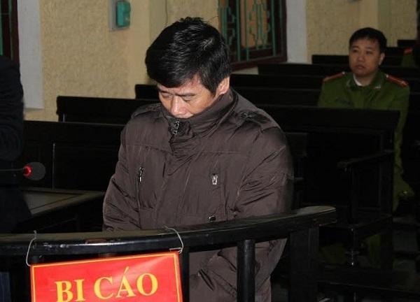Bị cáo Nguyễn Thành Đoàn trước vành móng ngựa.