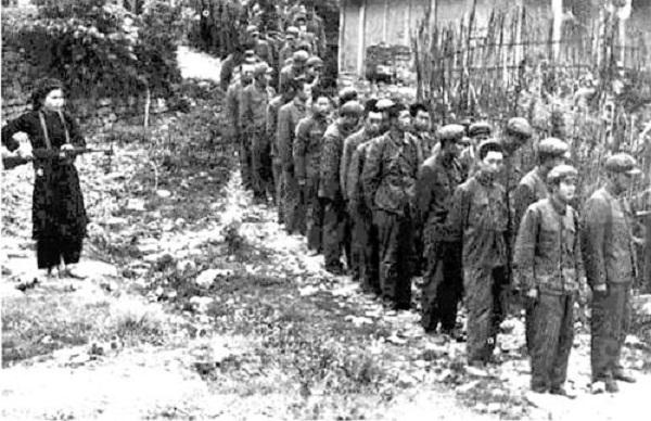 Tù binh Trung Quốc tại Cao Bằng. Ảnh tư liệu.