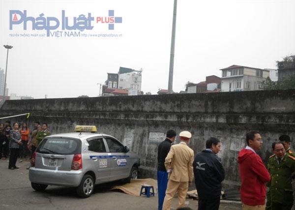 Hiện trường vụ tai nạn trên đường Hồng Hà (Hoàn Kiếm, Hà Nội).
