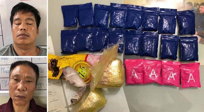 2 đối tượng cùng số ma túy bị bắt giữ. Ảnh: Báo Công an nhân dân.