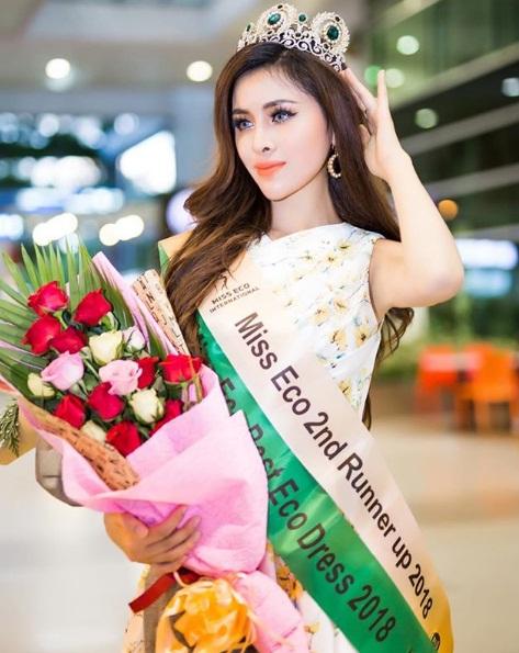 Á hậu T.D sinh năm 1995 từng chiến thắngmột cuộc thi nhan sắc được tổ chức Hàn Quốc nhưng các thí sinh đều là người Việt, từng trải qua phẫu thuật thẩm mỹ vào năm 2017. Ảnh Instagram