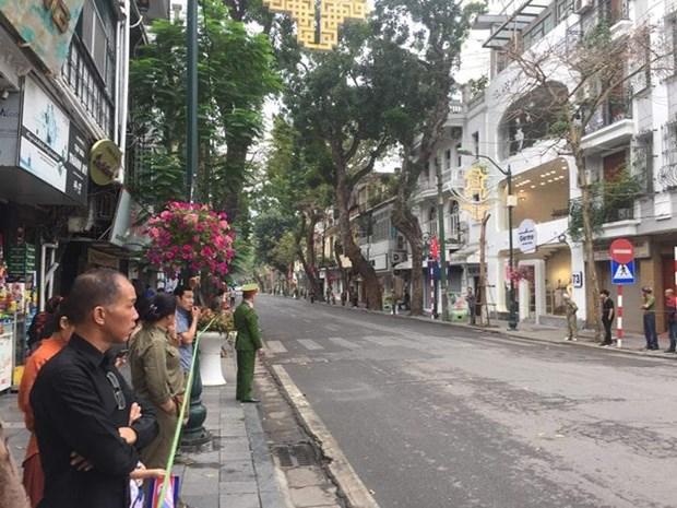 02/03/2019 09:17Tuyến đường từ khách sạn Melia tới khu vực Quảng trưởng Ba Đình đang được phong tỏa để phục vụ đoàn xe của ông Kim Jong-un.