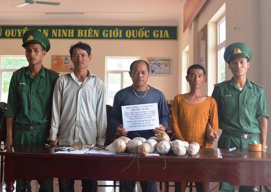 Bốn ngư dân Quảng Bình bị tạm giữ vì có hành vi tàng trữ trái phép vật liệu nổ trên tàu