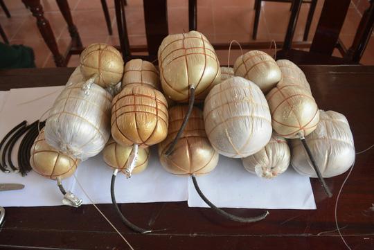 8 quả mìn mà nhóm ngư dân dùng để đánh bắt thủy hải sản