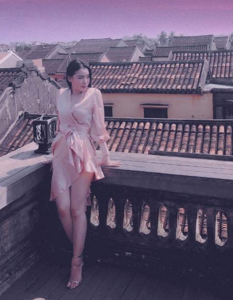 hotgirl-lam-tham-my-de-tien-buon-ma-tuy_251411968
