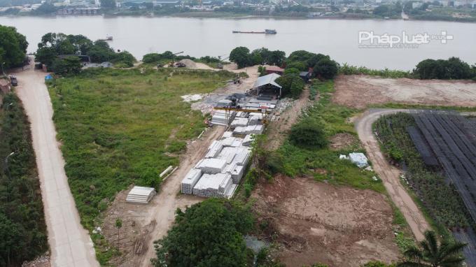 Xưởng đúc bê tông hoạt động sai phép, sử dụng sai mục đích đất diễn ra tại xã Kim Lan, Gia Lâm, Hà Nội.