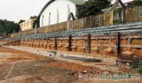 Sân vận động Suối Hoa (Bắc Ninh) trong quá trình cải tạo, nâng cấp. Ảnh Internet