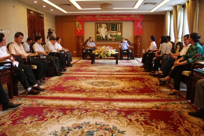 Nhiều lãnh đạo chủ chốt của Tỉnh Kiên Giang làm việc cùng Đoàn.