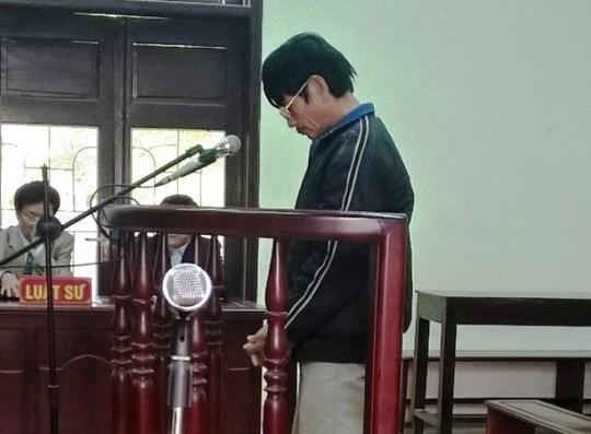 Bị cáo Đông tại phiên tòa. Ảnh: Người lao động