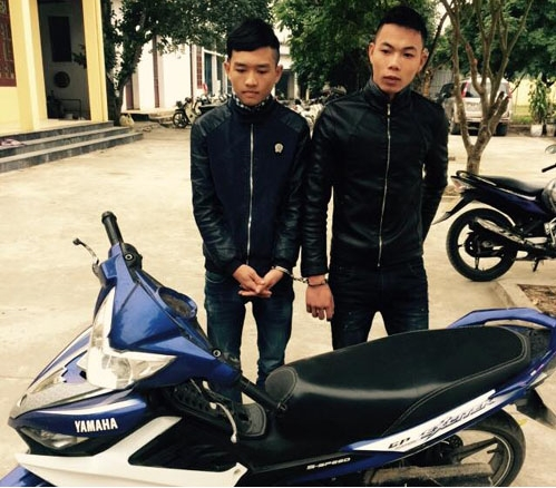 Hoàng Văn Dũng (trái) và Trịnh Minh Chiến