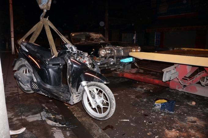 Một chiếc xe máy là nạn nhân của