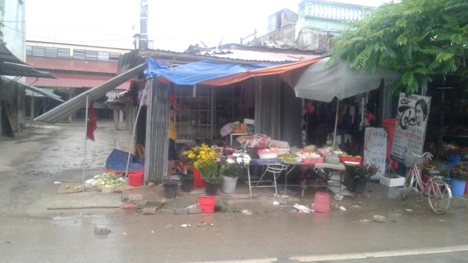 Chợ Phú Sơn, nơi phần nhiều các tiểu thương đã cho chủ hụi vay tiền.