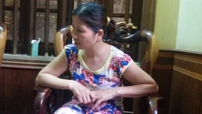 Chị Hà bức xúc trước việc công an thu tiền phạt lỗi mà không có biên lai.