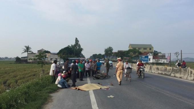 Lực lượng chức năng điều tra nguyên nhân vụ tai nạn