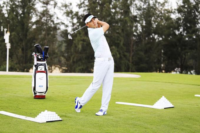 Người chơi golf quá sức còn có thể gặp các vấn đề về cột sống như thoái hóa đĩa đệm, cong vẹo hay lệch đốt sống lung.