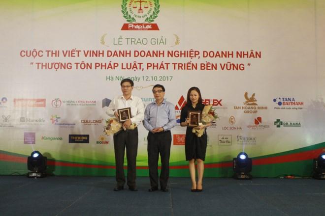 Lễ trao giải Cuộc thi 'Thượng tôn pháp luật, phát triển bền vững'