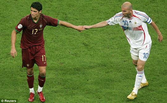 Ronaldo không thể giúp Bồ Đào Nha vượt qua tuyển Pháp ở World Cup 2006. Ảnh: Reuters