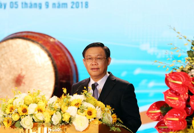 Phó Thủ tướng Vương Đình Huệ phát biểu tại buổi lễ.