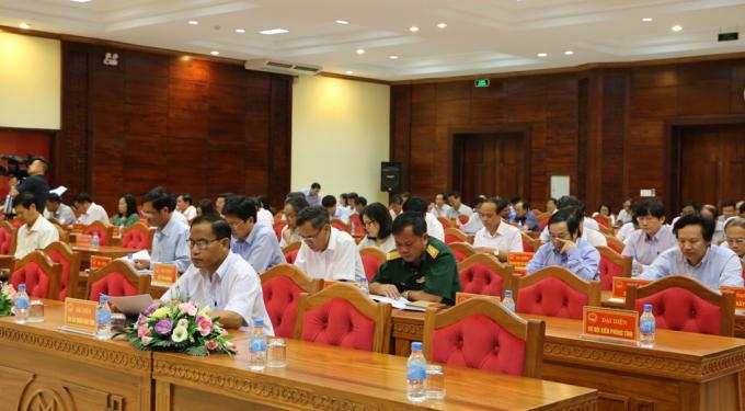 Các đại biểu tham dự phiên họp. (Ảnh:Báo Đắk Lắk Điện tử)