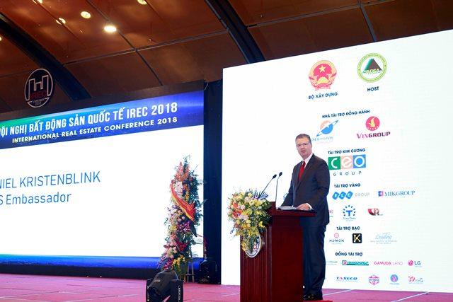 Đại sứ Hoa Kỳ tại Việt Nam Daniel J. Kritenbrink phát biểu tại Hội nghị.Ảnh: Bộ Xây dựng
