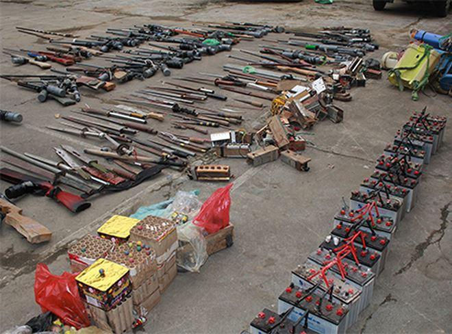 Vũ khí quân dụng, súng tự chế, kích điện, đạn... thu giữ được trong đều được đưa đi tiêu hủy đảm bảo an toàn tuyệt đối