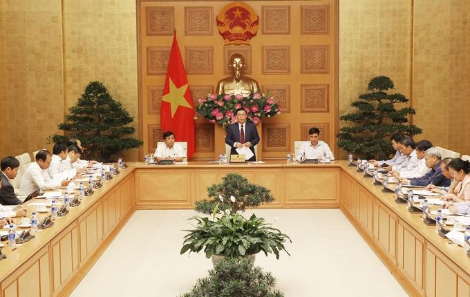 Phó Thủ tướng Vương Đình Huệ phát biểu chỉ đạo tại cuộc họp. Ảnh: Báo Nhân dân